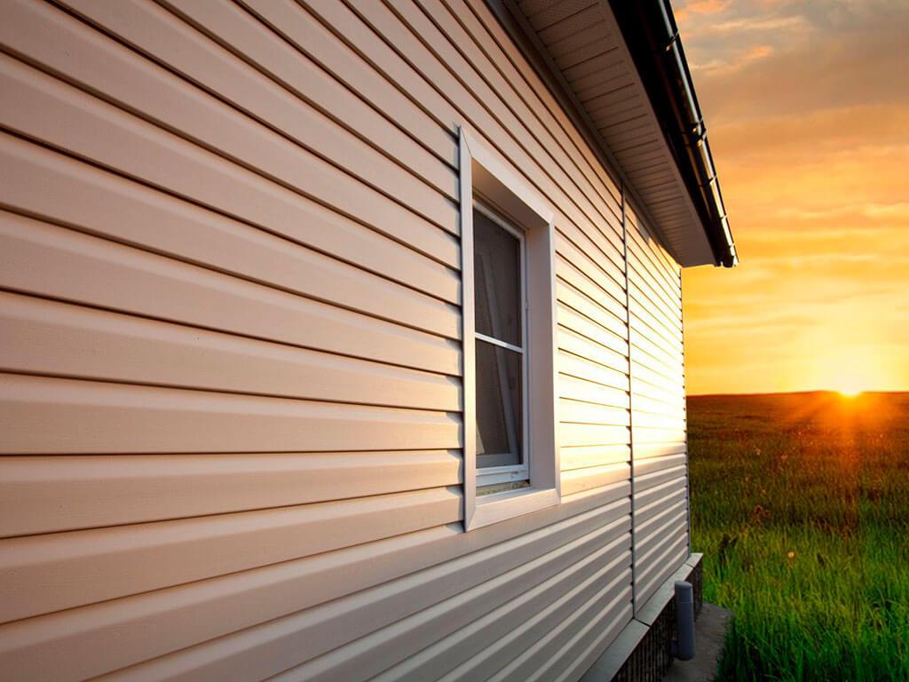Монтаж сайдинга. Как обшить дом своими руками?