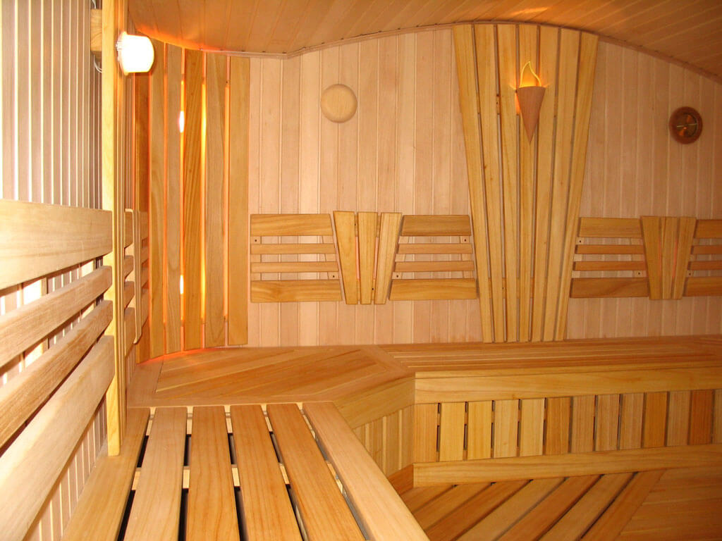 Красивые деревянные стены обшивка бани вагонкой внутри